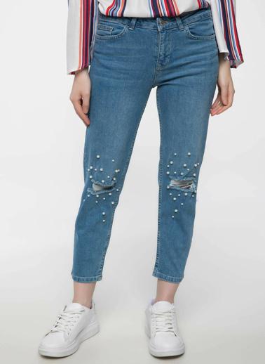 DeFacto Susana Slim Fit Dizi Yırtık Detaylı İnci Aksesuarlı Denim Pantolon Mavi